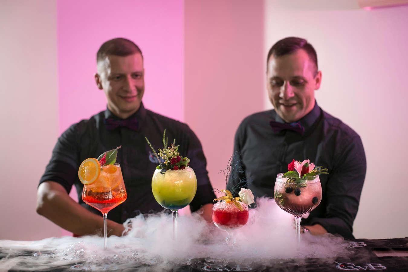 Mobilus kokteilių baras vestuvėms - CwB Barmenai